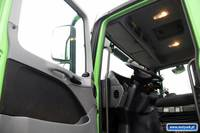 MERCEDES-BENZ ACTROS 3236 / SKRZYNIOWY + HDS HIAB 211 / PILOT / OŚ SKRĘTNA / EURO 5 / - Vehicle's Interior / Equipment